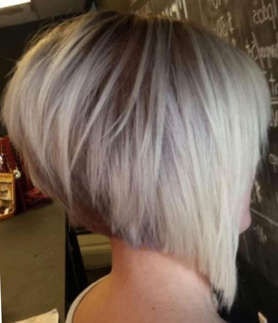 стрижка боб на средние волосы с удлинением фото