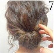 Греческая прическа на средние волосы шаг 7
