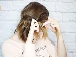 Быстрая прическа на средние волосы шаг 4