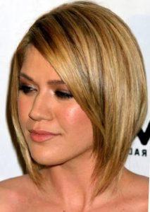 Стрижка для круглого лица на средние волосы