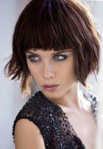 Каре - стрижка на средние волосы придающая объем