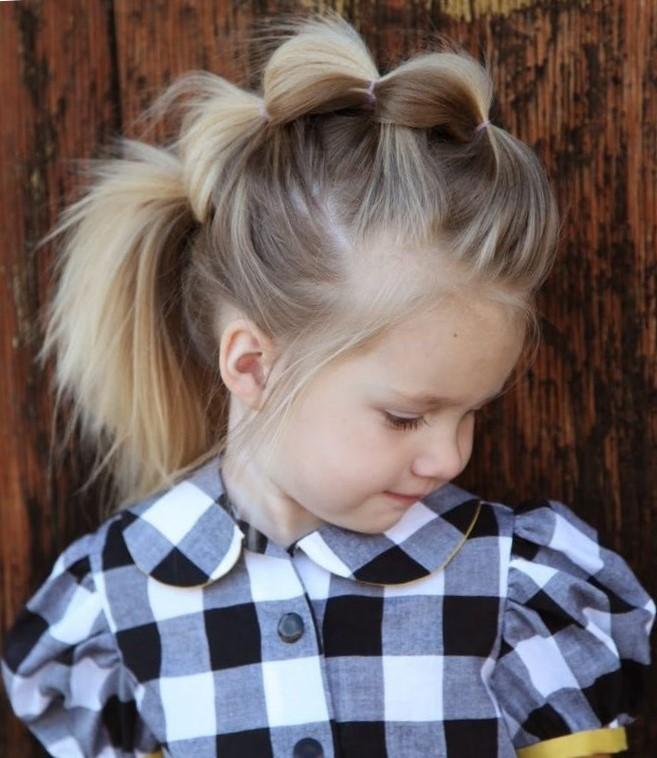 Прическа с рожками для девочки