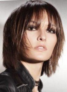 Средние стрижки на тонкие волосы для объема