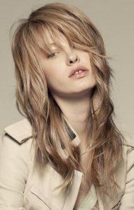 Длинные стрижки на тонкие волосы для объема
