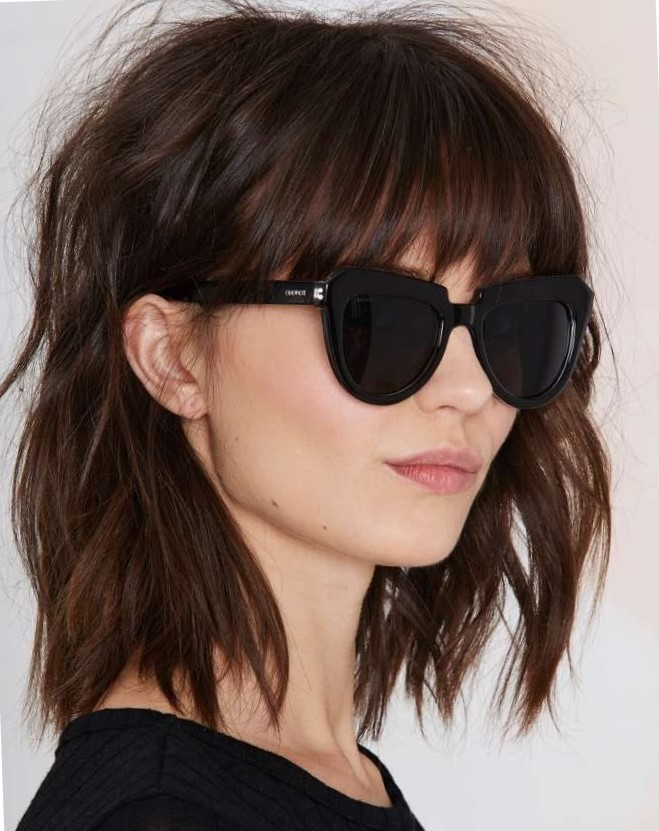 Модные стрижки для девушек на средние волосы удлиненное каре