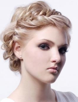 Красивые прически для тонких волос