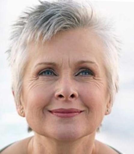 Красивые стрижки на короткие волосы для пожилых женщин