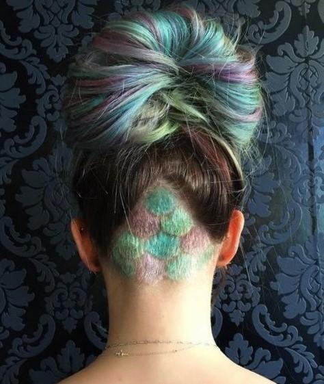 Женские стрижки с выбритым затылком на длинные волосы