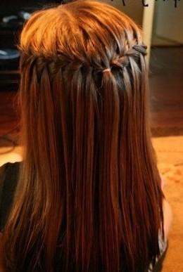 Школьная прическа на средние волосы