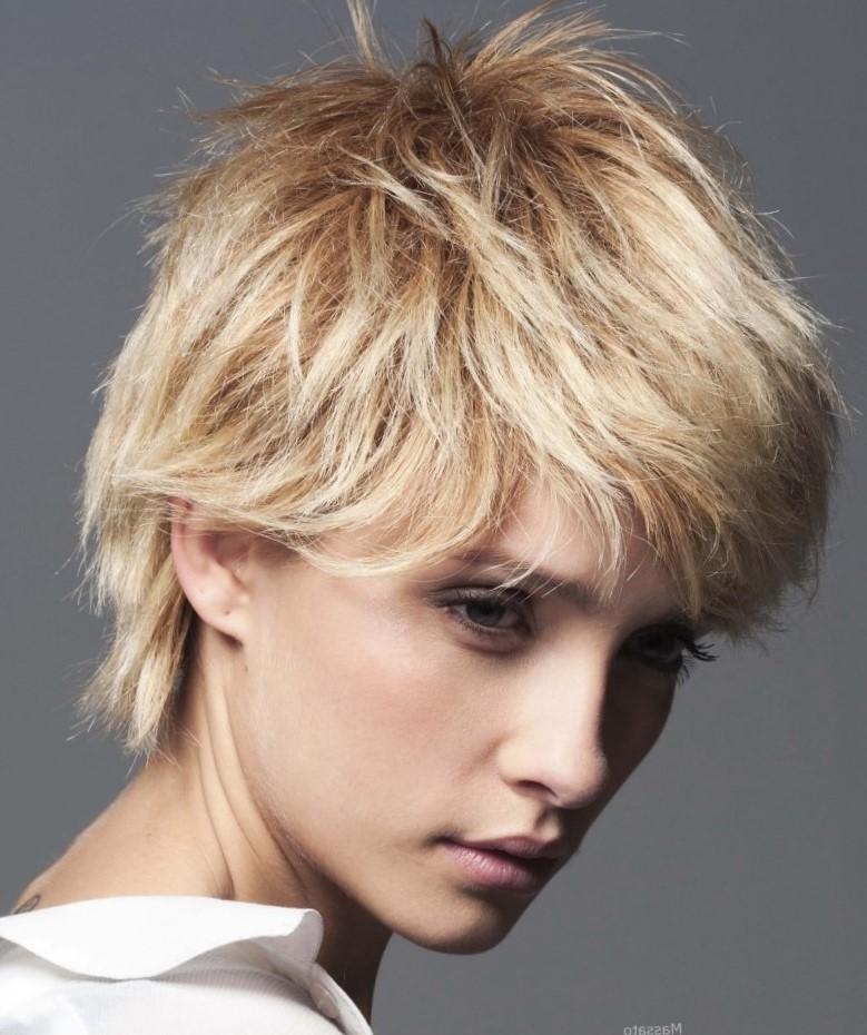 Фото итальянки на короткие волосы