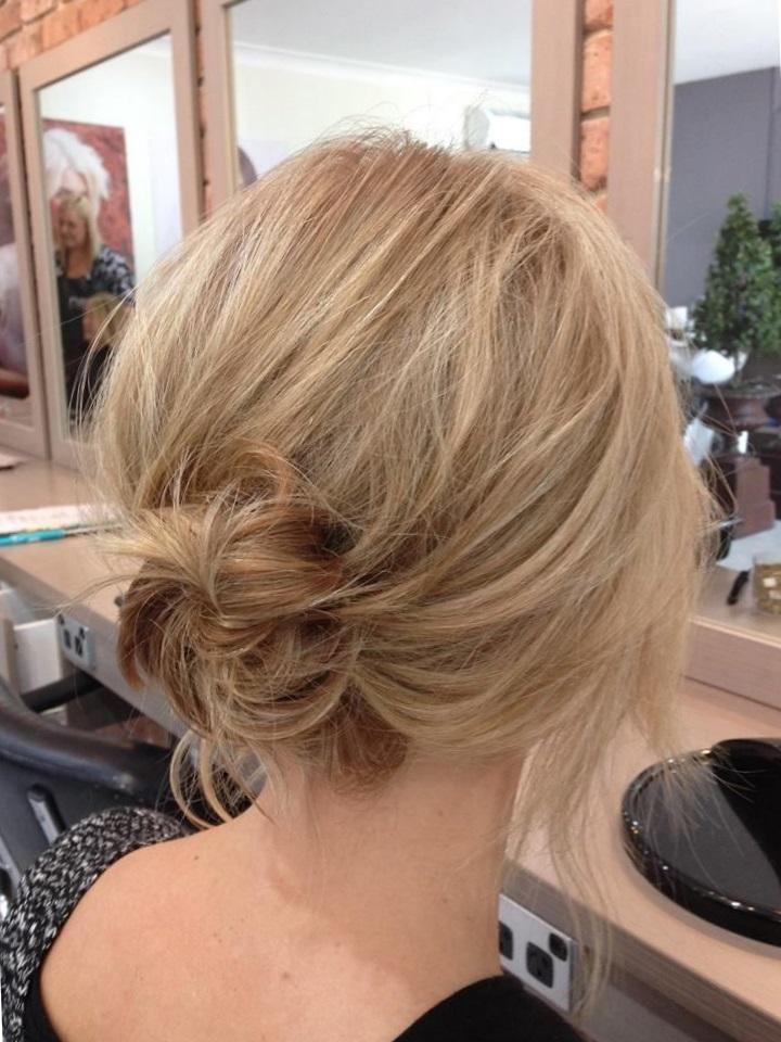 Простые прически на короткие волосы для женщин