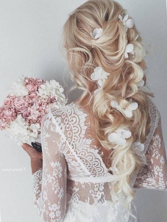 Красивые свадебные прически 2017 на длинные волосы