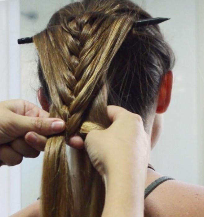 Коса на карандаше