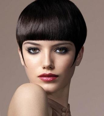 стрижки на короткие волосы с прямой челкой