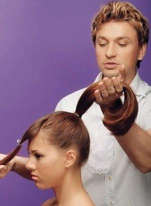 Разнообразные собранные прически для средних волос