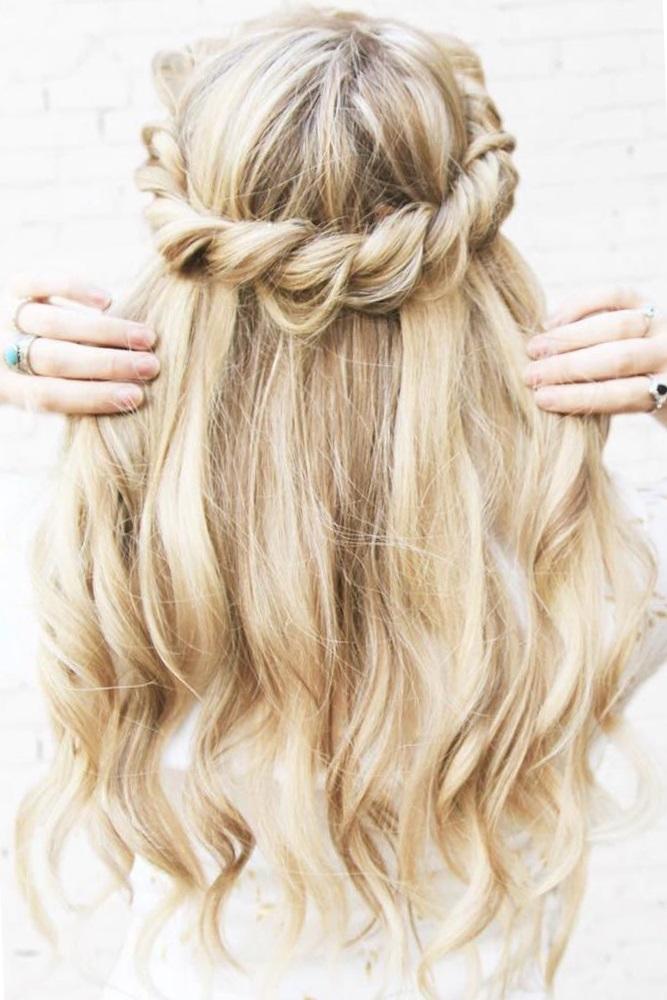 женские прически для средних волос