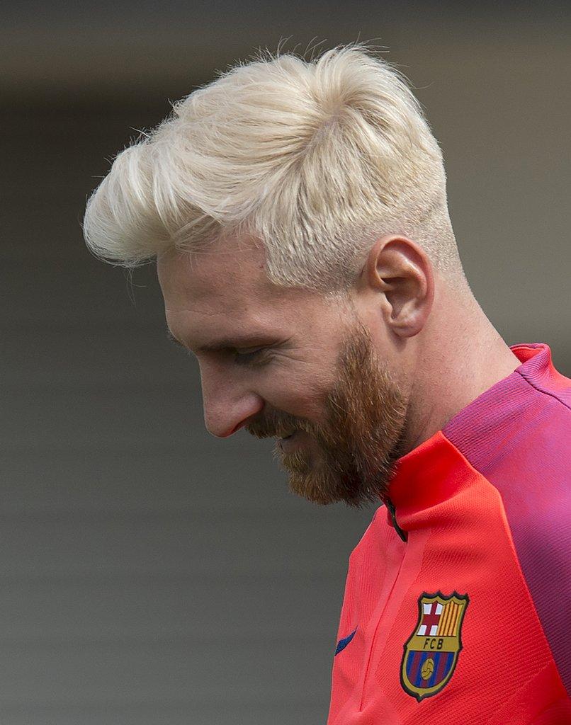 лионель месси фото блондин