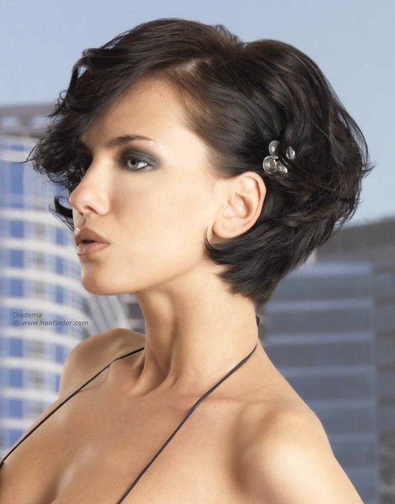 красивые прически на короткие волосы