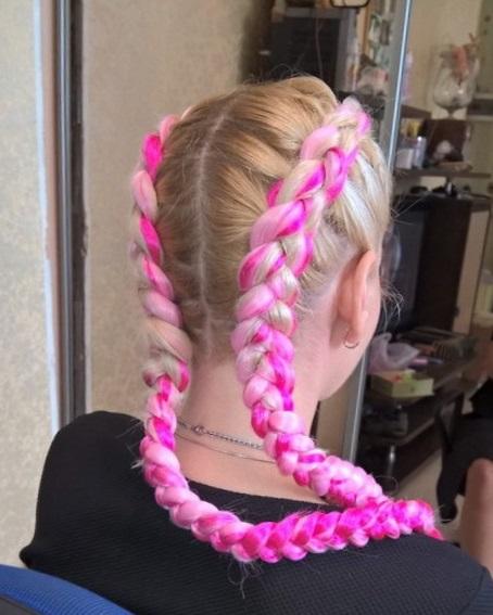 Французская коса с канекалоном