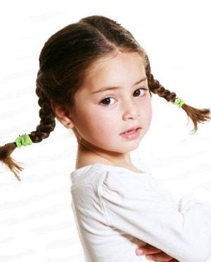 Как заплести косички девочке